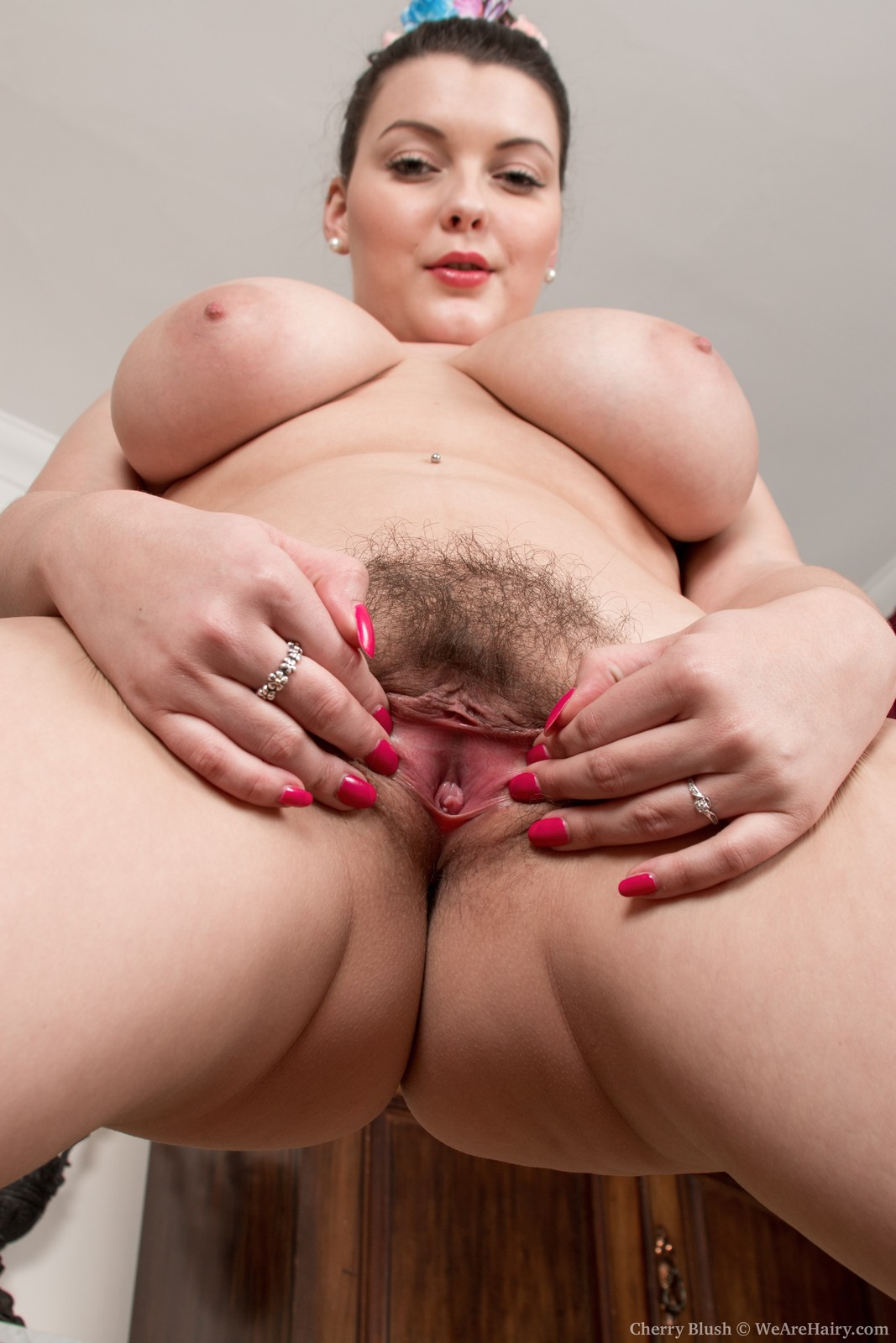 Have Girl with hairy pussy spread correctly